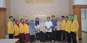 Kegiatan Kunjungan Industri S1 Pendidikan Fisika di BPFK Surabaya Serta Foto Bersama Bapak Ulul Fatkhurrohman, S.T dari pihak BPFK